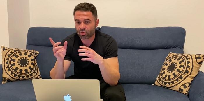 Cati bani face Cristian Chifoi din YouTube?